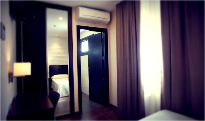 habitacion-INDIVIDUAL-hotel-el-corte-02